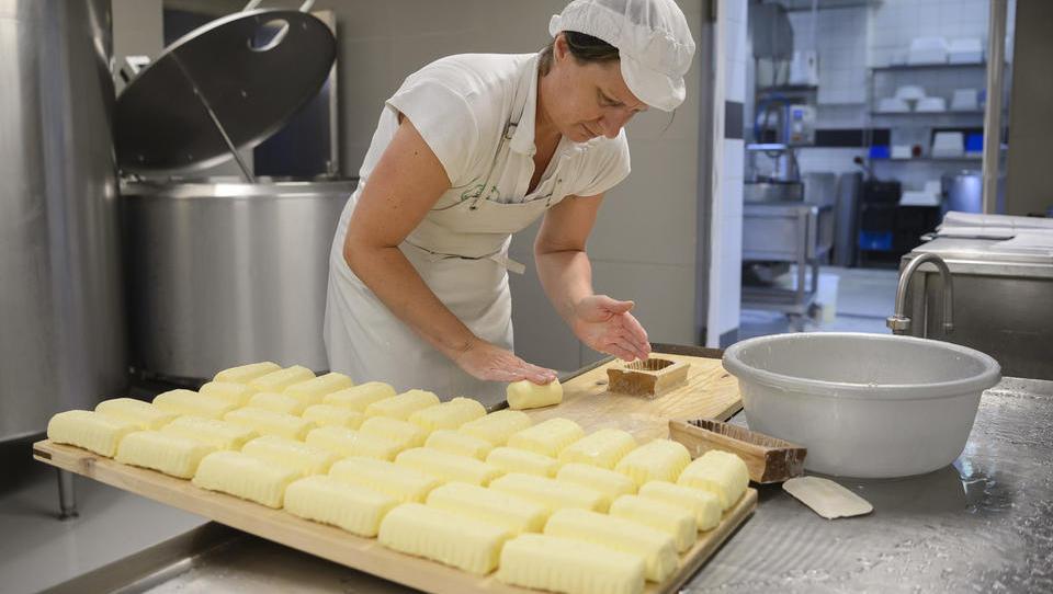Po Evropi vse bolj zmanjkuje masla; jim ga lahko prodamo Slovenci?