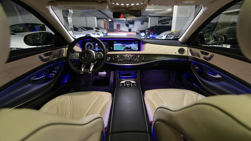 Mercedes-Benz S za 170 tisočakov: avto zamenjam za dvosobno stanovanje v Ljubljani