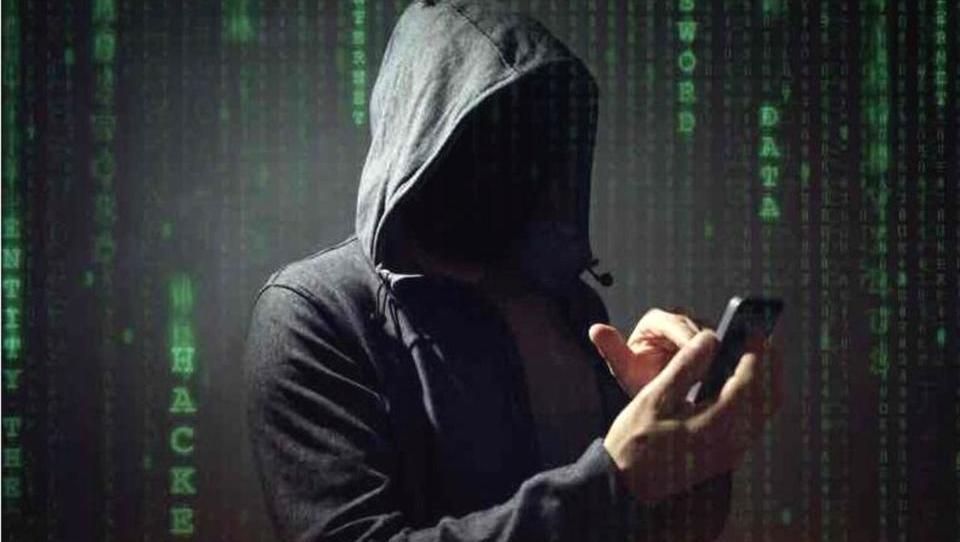 Kibernetski kriminal se usmerja na mobilno sceno – na kaj je treba...