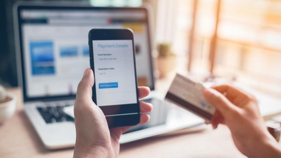 Digitalno potrdilo ali generator gesel – kaj je bolj varno?