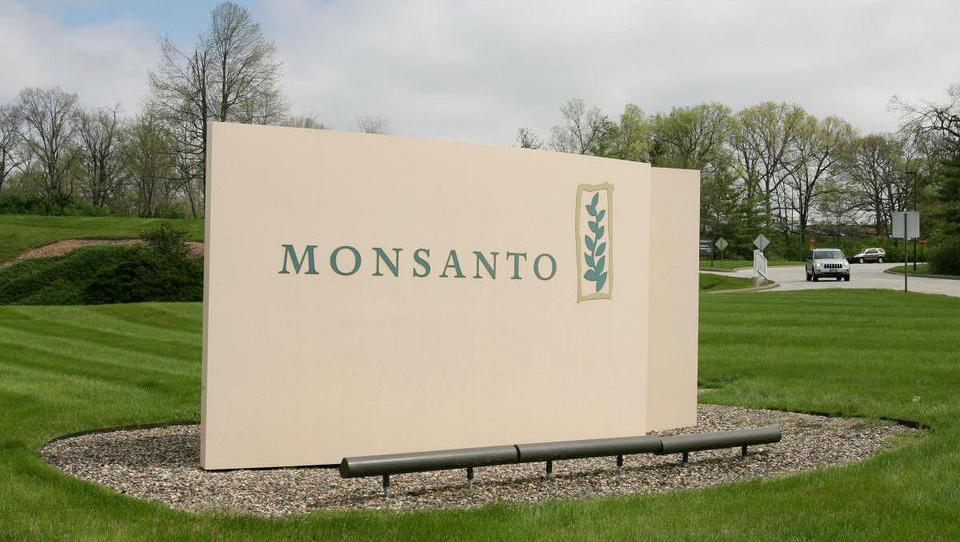 Monsanto mora bolniku z rakom plačati 253 milijonov evrov odškodnine