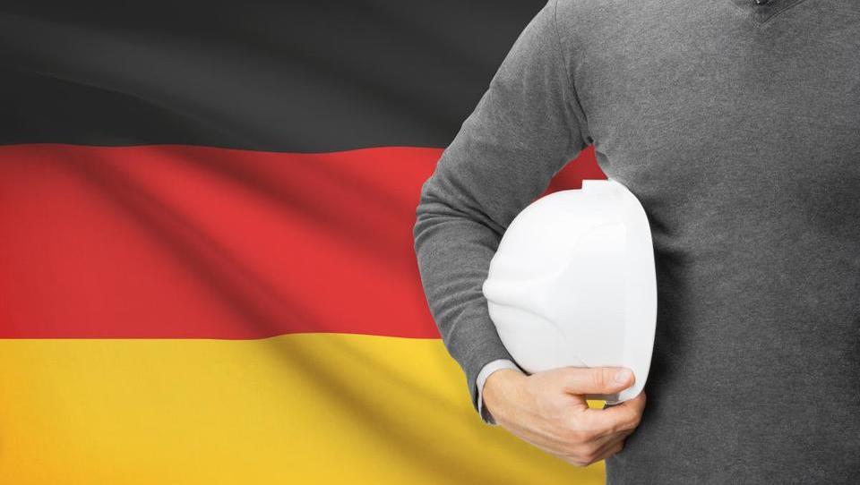 Nemčija junija z manjšo proizvodnjo in mednarodno menjavo