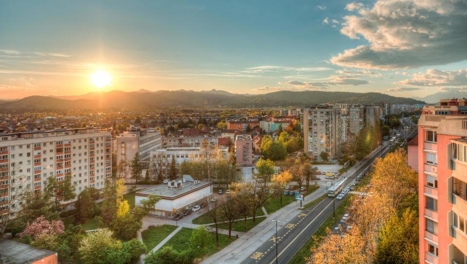Nepremičnine: vsi bi v Ljubljani gradili luksuz, pa je povpraševanja dovolj?