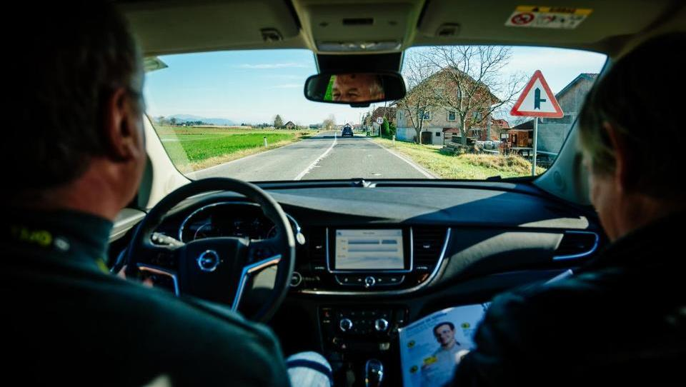 (video) Kako dobro se znajdete za volanom?