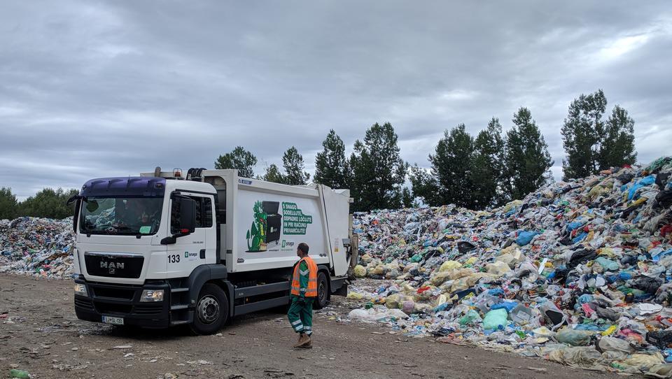Zaradi uredbe grozi podražitev zbiranja odpadne embalaže