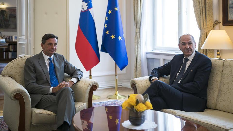 Pahor namerava za mandatarja predlagati Janšo