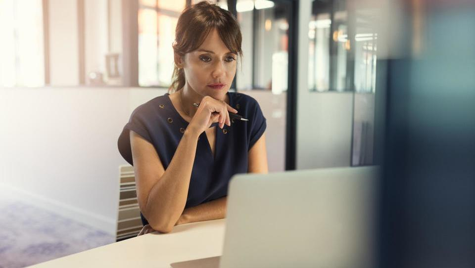 Top službe - več ponudb za finančnike; zaposlujejo Mastercard, Pipistrel, Telekom, SŽ, SID banka, Krka in še 15 podjetij