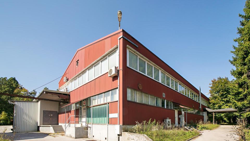 (Nepremičnina tedna) Skladiščni objekt v bližini Ljubljane