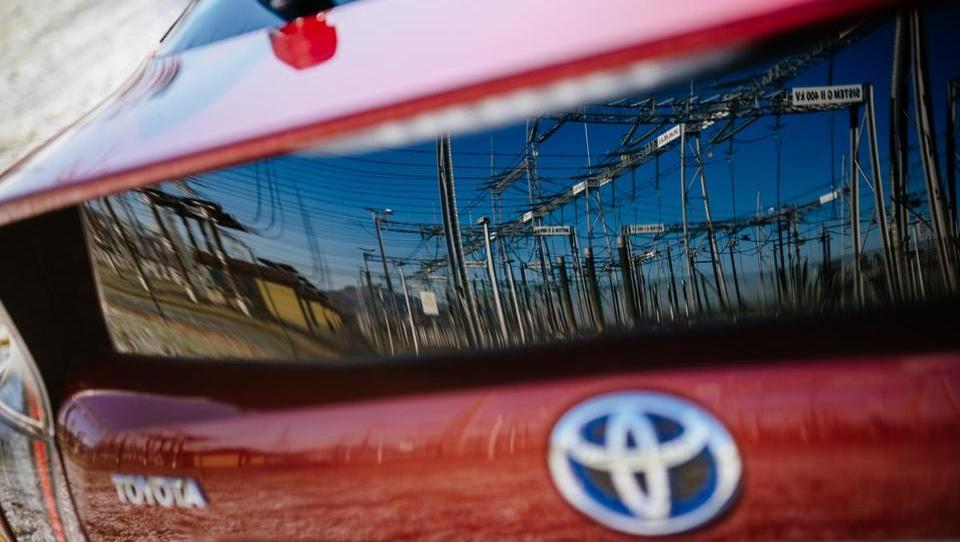 Toyota in Mazda skupaj v razvoj električnih avtomobilov