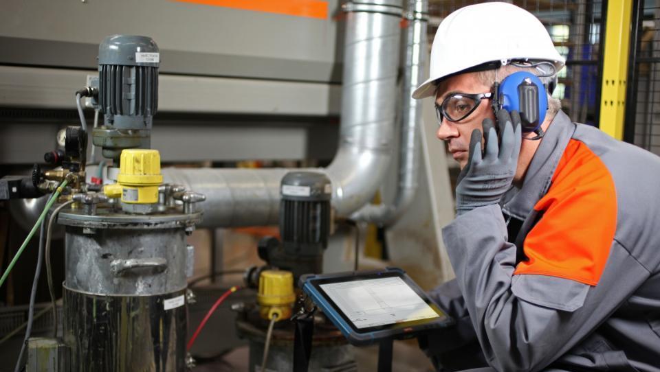 Brezposelnost avgusta še nižje, največ zaposlovanja v proizvodnji