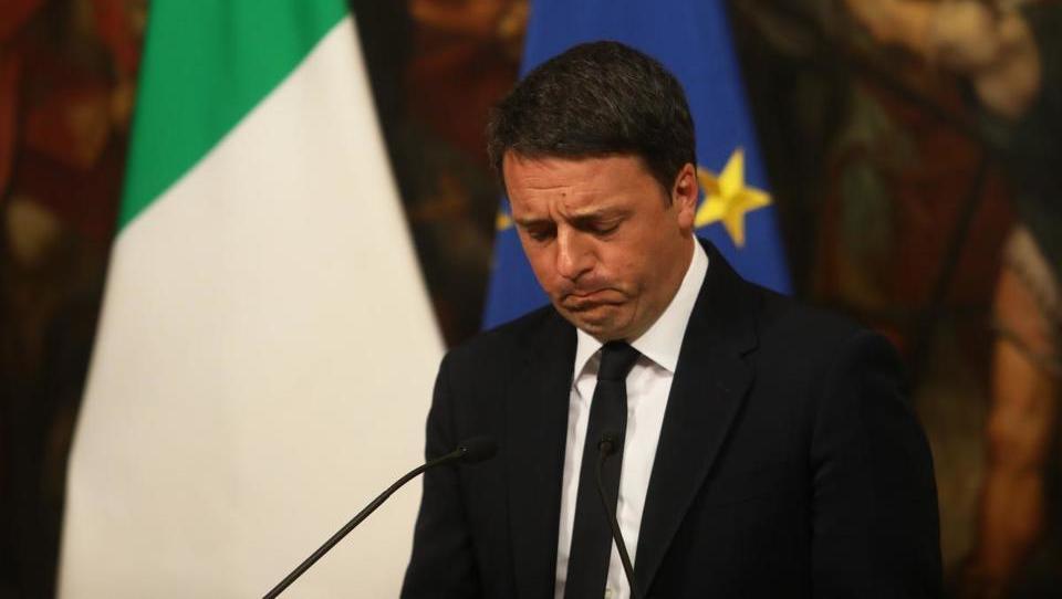 Italija išče novega premiera, potem ko so volivci spodnesli Renzija