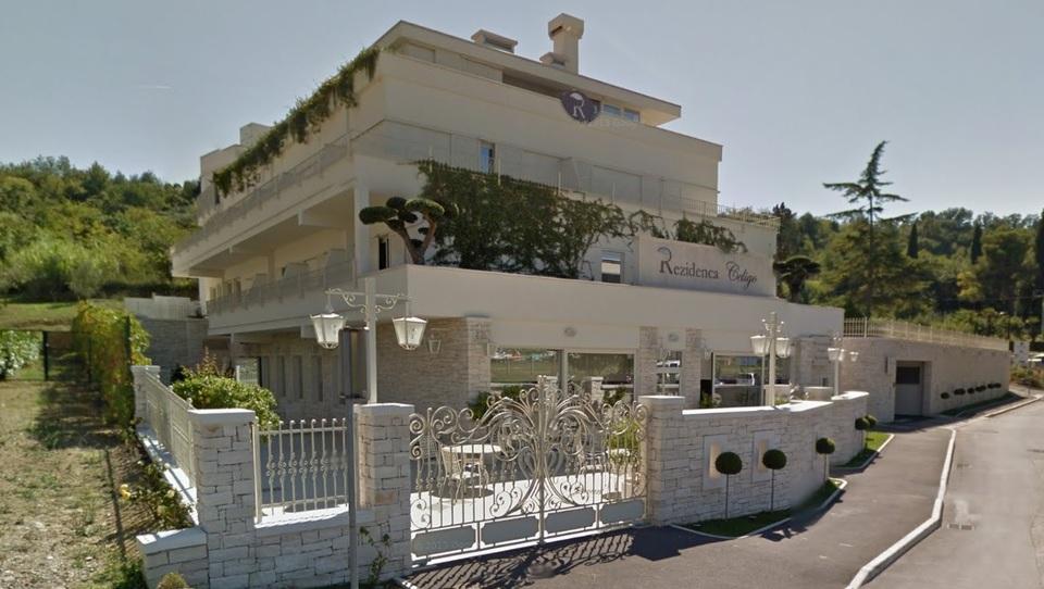 Rezidenca Čeligo za dobrih 50 tisočakov na mesec v roke starih lastnikov?