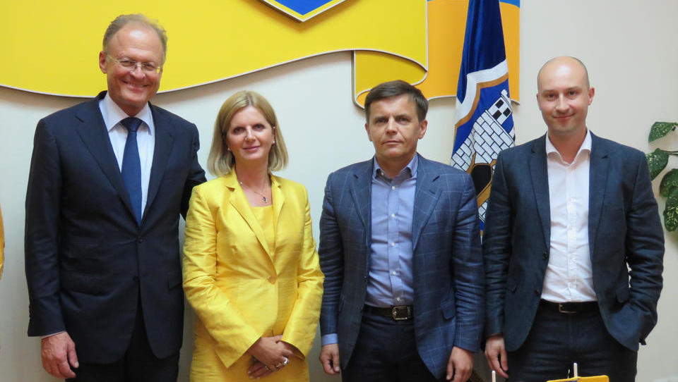 Janez Škrabec v Ukrajini podpisal za 25,4 milijona evrov pogodb