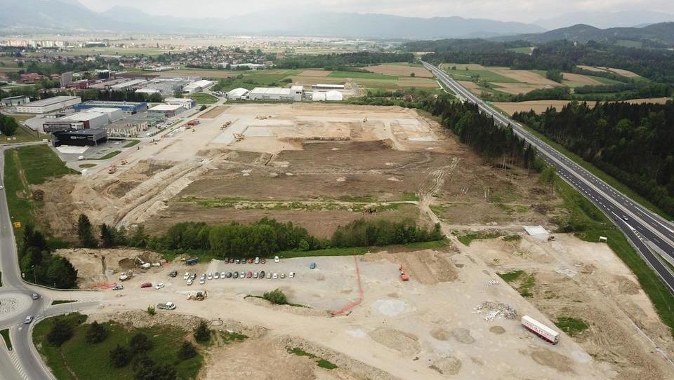 V Arji vasi nastaja največji trgovski logistični center v Sloveniji