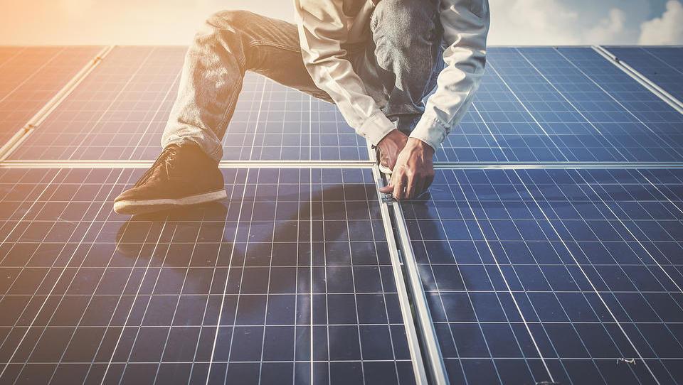 Proizvajalci EU se zavzemajo za ohranitev carin na sončne panele iz Kitajske