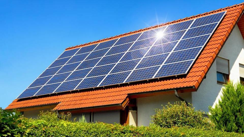 Kaj je treba upoštevati, če vam toča razbije fotovoltaiko