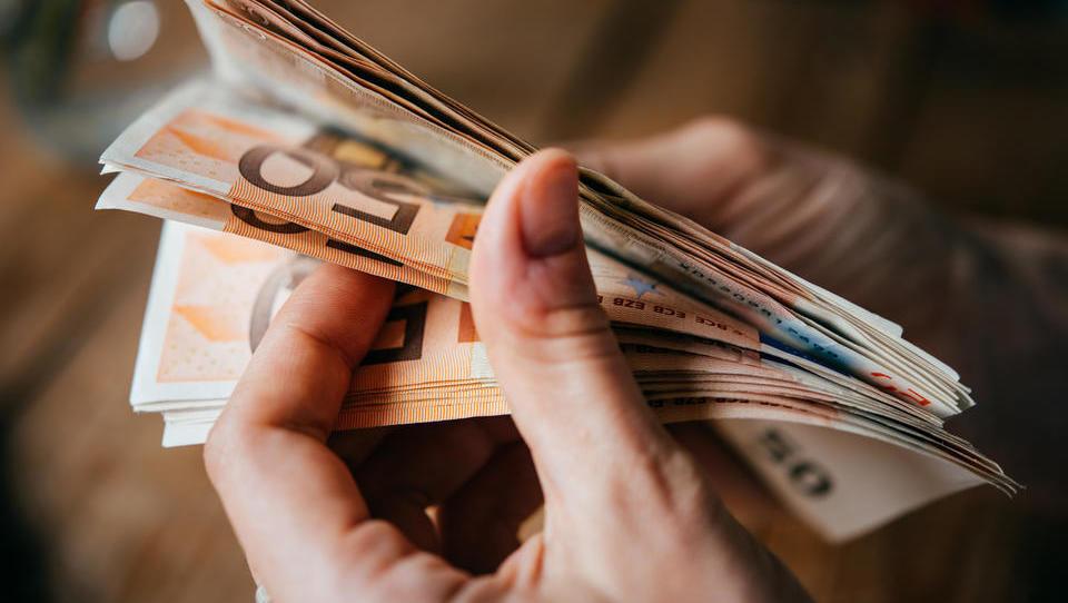 Hitri pregled tedna: Nemčija služi z negativnimi obrestmi, Alibaba si ogleduje lokacijo na Hrvaškem