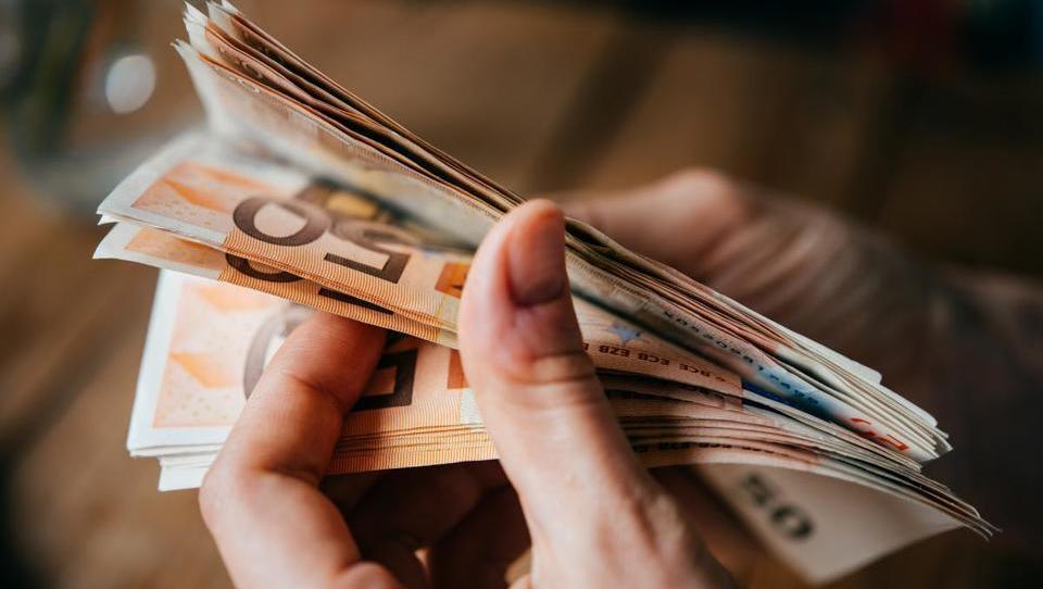 TOP razpisi tega tedna: Slovenski podjetniški sklad, Evropska komisija, Občina Cerkno, Občina Šentilj, Občina Poljčane in ...
