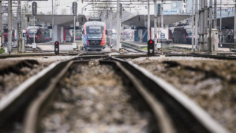 Železnice: Koliko milijard bi morali vložiti, da bi dobili...