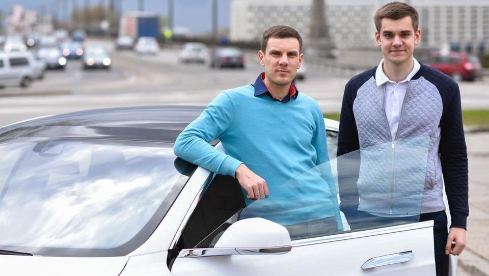 Kako sta Estonca začela s tremi tisočaki in v petih letih zgradila milijardni Taxify