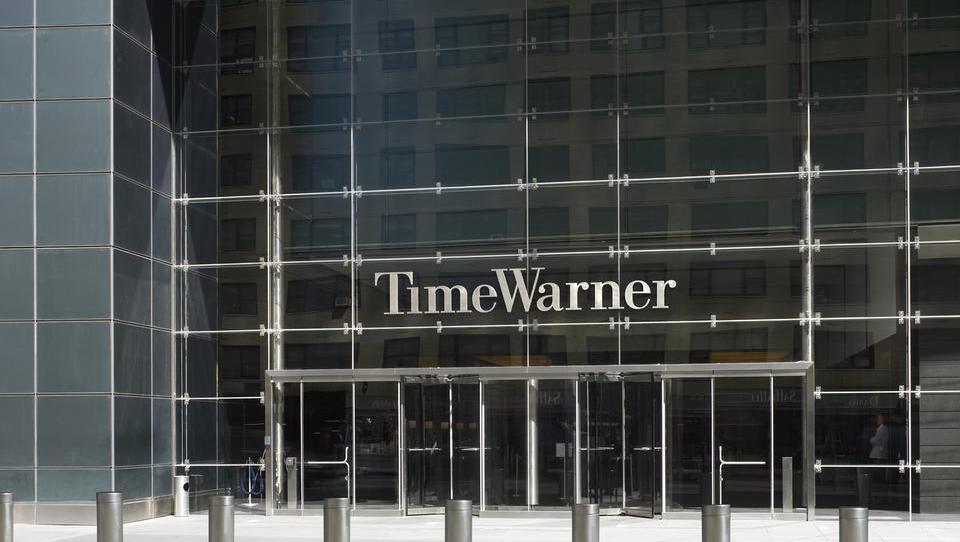 AT & T le pohrustal Time Warner