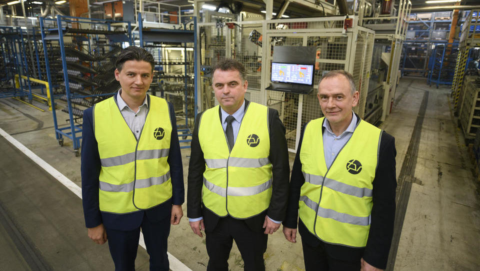 TPV na dan izdela 250 tisoč kosov sestavnih delov za avtomobile in tovornjake