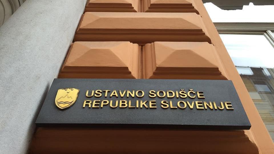 Ustavno sodišče spet razveljavilo del stečajnega zakona ZFPPIPP