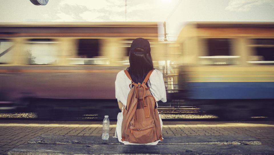 Za brezplačne vozovnice za potovanje po Evropi se je prijavilo več kot 100 tisoč mladih