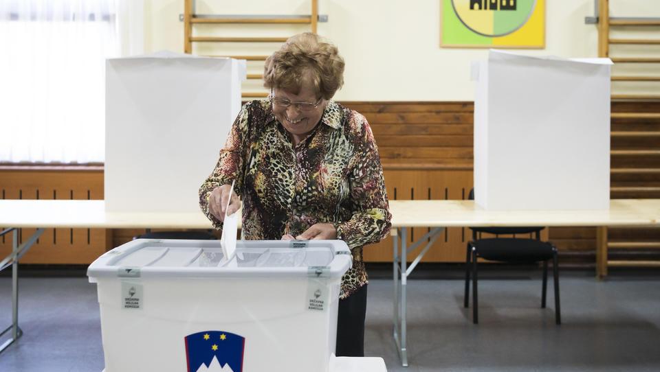Bi morali v Sloveniji uvesti obvezno volilno udeležbo?
