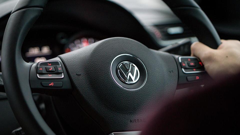 Tudi Volkswagen bi se lahko umaknil iz Irana