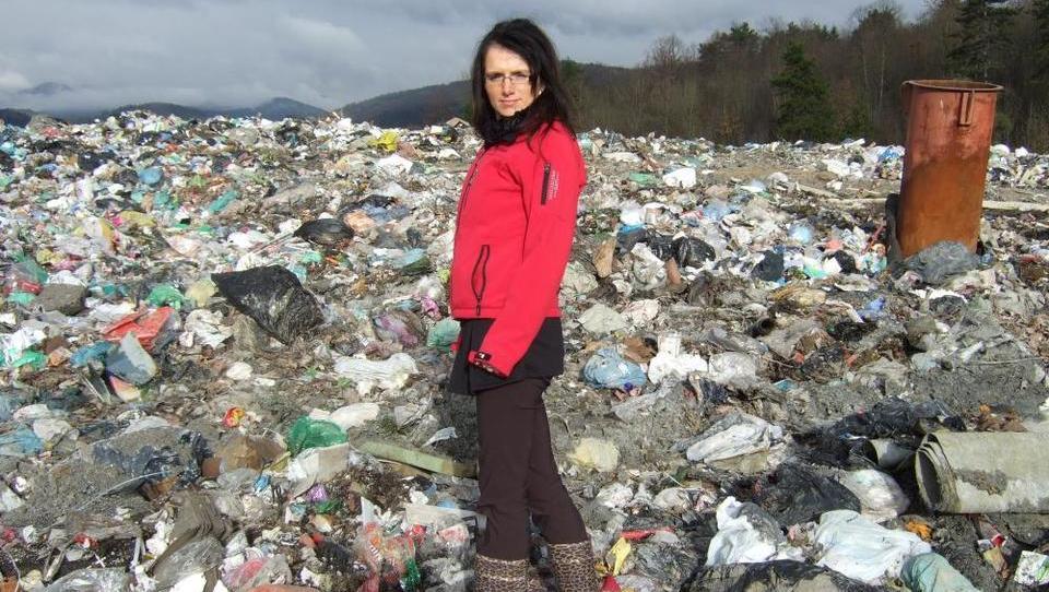 (intervju) Če bi bilo delo manj obdavčeno, ne bi bilo težav z odpadno plastiko
