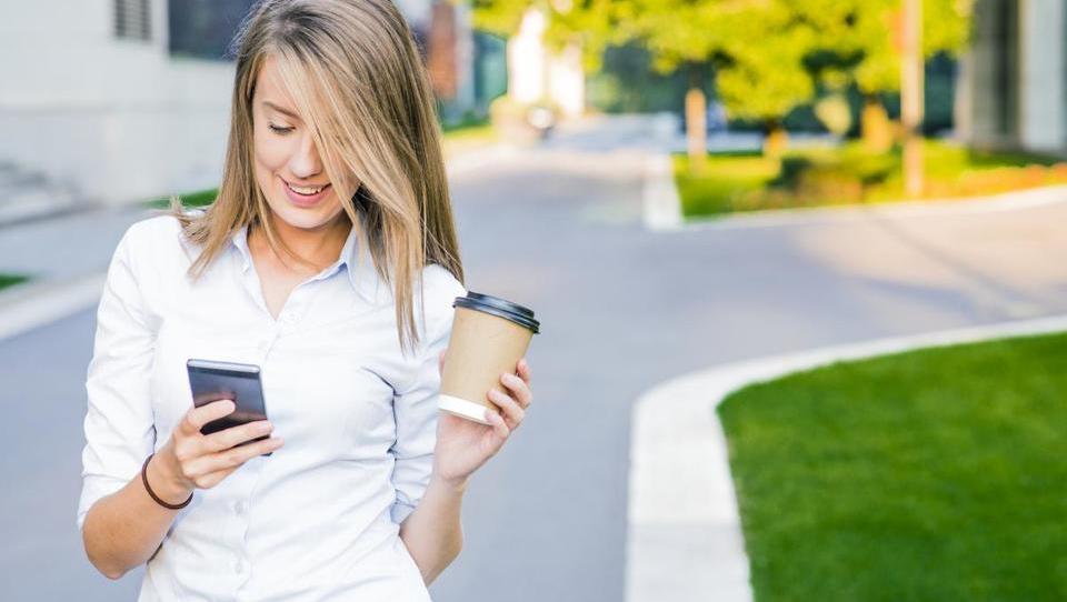 Zakaj med dopustom pridejo prav orodja za upravljanje mobilnih naprav