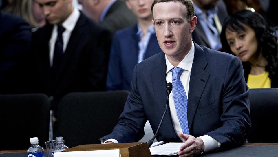 Facebook - za »brezplačni«  dostop plačate s podatki