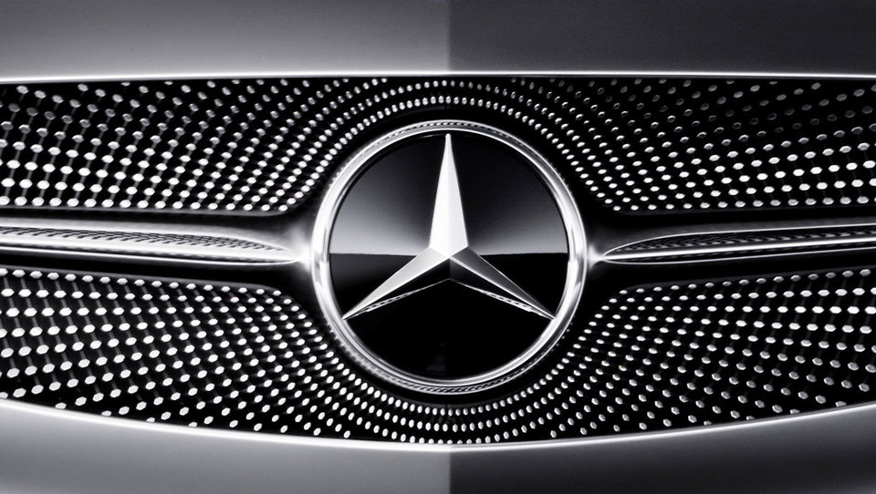 Mercedes-Benz bo v kratkem razkril tekmeca tesli model X