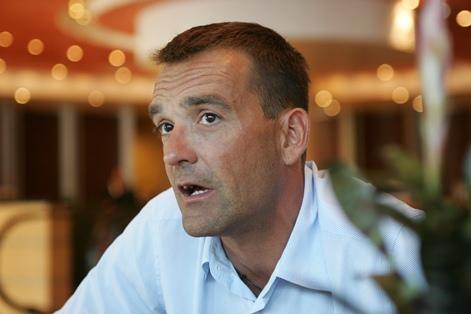 AUKN Jovanovičevo »poslovanje« obsoja, saj » da Dušan Jovanović ni bi imenovan v nadzorni svet NKBM , da bi si zagotavljal dodatno delo in zaslužek preko ... - jovanovic-dusan26-br.1324549886
