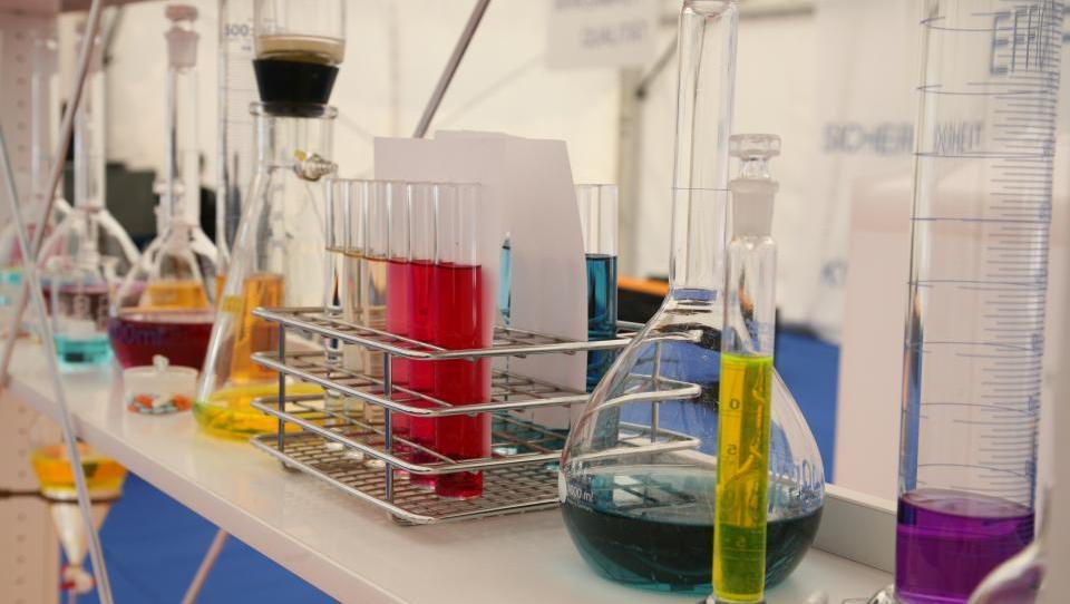Novi izdelki iz kemijskih  in farmacevtskih tovarn