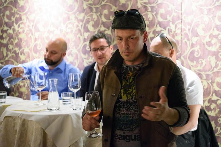 Uros Rojac - vinar; Vinski dogodki v Sobi 102 - Vinarstvo Rojac; Ljubljana, Slovenija, 05.04.2017, Foto: Jure Makovec